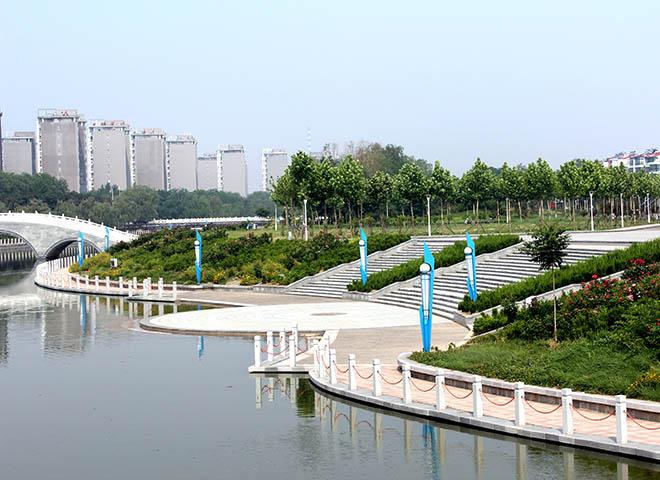 溢洪河沿岸广场